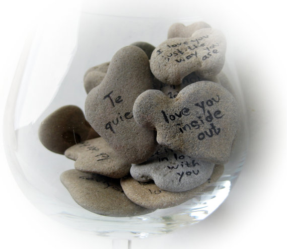 Heart-Shaped-Beach-Stones-Sayings